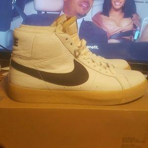 Nike SB Blazer Orange Label Size 10